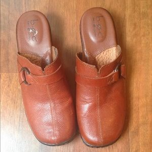 Born Concept B.O.C Brown Leather Clogs Size 8M.
